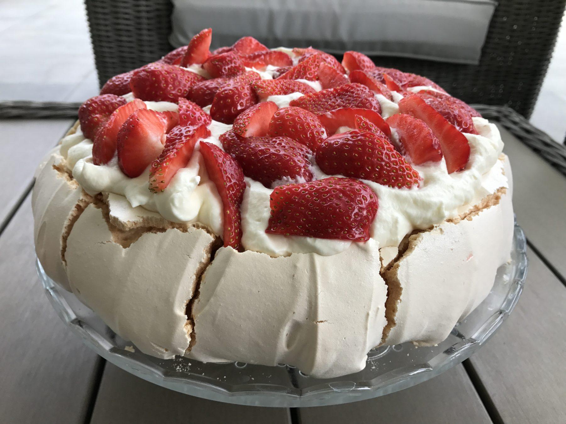 Tort Pavlova Z Truskawkami Marion Radicelle